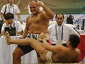 El h&sbquo;??&sbquo;?&acute;ngaro Istvan Kalmar celebra despu&sbquo;??&not;&copy;s de derrotar al representante de Mongolia Usukhbayar Ochirkhuu en la categor&sbquo;??&sbquo;?&dagger;a peso mediano de la lucha de Sumo en los Juegos Mundiales 2013 en Cali, Colombia,  26 de julio 2013.<br /> Foto: Coldeportes/Archivolatino<br /> <br /> COPYRIGHT: Coldeportes. Imagen distribuida para difusi&sbquo;??&sbquo;?&bull;n de los Juegos Mundiales 2013. Prohibida su venta y uso comercial.