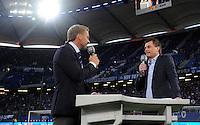 FUSSBALL   1. BUNDESLIGA   SAISON 2011/2012    10. SPIELTAG Hamburger SV - VfL Wolfsburg                                22.10.2011 Trainer Thorsten FINK (li, Hamburg) im Interview mit Thomas HELMER fuer die Sendung Liga Total