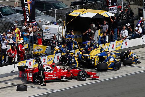 22-23 August, 2015, Pocono, Pennsylvania USA<br /> Graham Rahal Marco Andretti pit stop<br /> © 2015, Michael L. Levitt<br /> LAT Photo USA