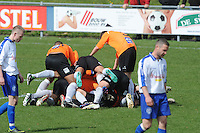 "VOETBAL: BALK: Voetbalcomplex ""de Wilgen"", 27-04-2013, KNVB 1ste Klasse E district Noord, VV Balk -VV Drachtster Boys, Einduitslag 1-2, vreugde na de 1-2, ©foto Martin de Jong"