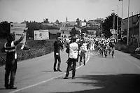 2013 Giro d'Italia.stage 13: Busseto - Cherasco ..peloton in the feedzone: always chaotic and dangerous