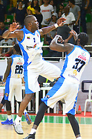 BARRANQUILLA- COLOMBIA, 24-11-2018: Jared Corpus (Izq.) y Tremaine  Johnson jugadores (Der.) jugadores de  Warriors de San Andrés Islas celebran el triunfo ante Titanes de Barranquilla .Warriors de San Andrés derrotaron a Titanes de Barranquilla, 87-84, en el juego número cuatro de la final de LCBP 2018. El partido se jugó en el estadio Elías Chewing de la arenosa. El triunfo de los isleños igualó la serie a dos. El quinto y definitivo juego se jugará en la isla en el próximo lunes./Jared Corpus  (L) and Tremaine Johnson (R) players of  Warriors of San Andres celebrate their victory agaisnt Titanes of Barranquilla , Warriors of San Andres Islas defeated Titanes de Barranquilla, 87-84, in game number four of the LCBP 2018 final. The game was played at the Elías Chewing  stadium. The triumph of the islanders equaled the series to two. The fifth and final game will be played on the island next Monday. Photo: VizzorImage / Alfonso Cervantes / Contribuidor