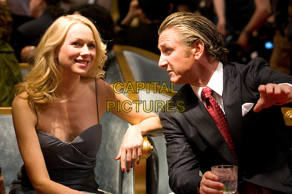 NAOMI WATTS & SEAN PENN .in Fair Game .*Filmstill - Editorial Use Only*.CAP/PLF.Supplied by Capital Pictures.