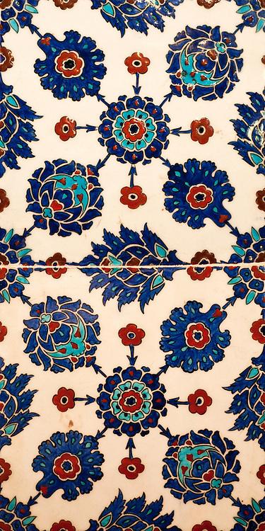Iznik 10 - Stylized flower motifs on Iznik tiles in Rustem Pasa Mosque, Eminonu, Istanbul, Turkey