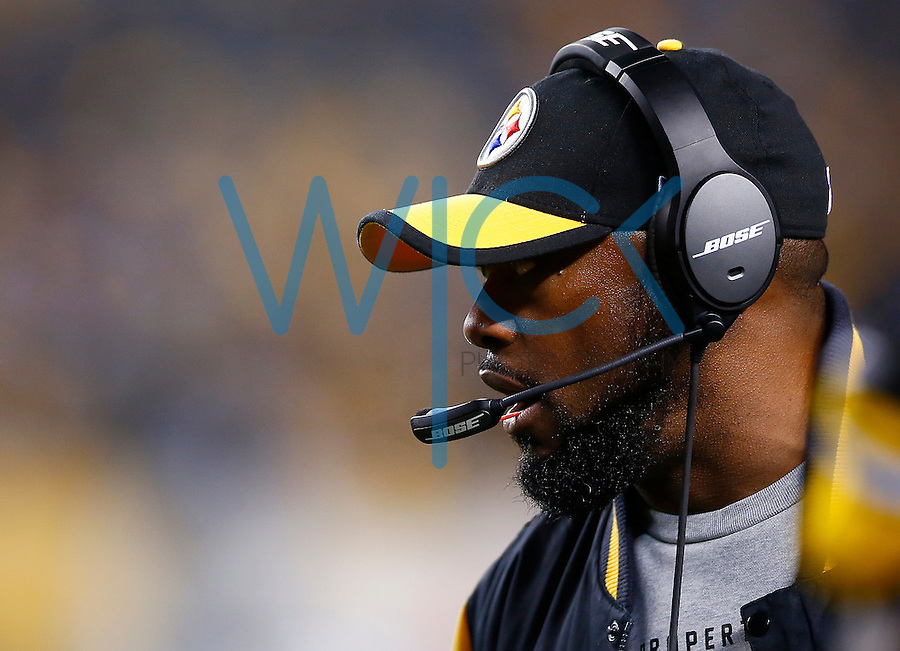 Head coach Mike Tomlin of the Pittsburgh Steelers looks on in the fourth quarter against the Indianapolis Colts during the game at Heinz Field on December 6, 2015 in Pittsburgh, Pennsylvania. (Photo by Jared Wickerham/DKPittsburghSports)