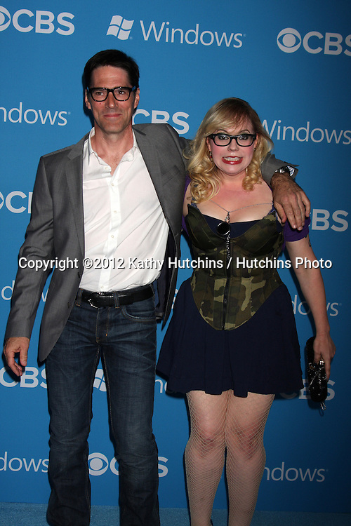 LOS ANGELES - SEP 15:  Thomas Gibson, Kirsten Vangsness arrives at the CBS 2012 Fall Premiere Party  at Greystone Manor on September 15, 2012 in Los Angeles, CA