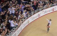 Picture by Alex Broadway/SWpix.com - 07/12/2014 - Cycling - 2014 UCI Track Cycling World Cup - Day Three - Lee Valley Velopark Velodrome, London, England - Laura Trott of Great Britain celebrates victory in the Women's Omnium.
