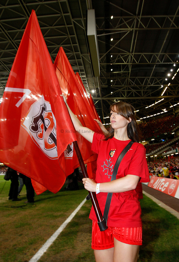 Photo: Richard Lane/Richard Lane Photography. .Munster v Toulouse. Heineken Cup Final. 24/05/2008. .Toulouse flag bearer.