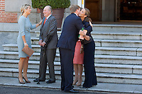King Juan Carlos of Spain (L) and Queen Sofia of Spain (R) receive King Willem-Alexander of The Netherlands and Queen Maxima of The Netherlands at Zarzuela Palace on September 18, 2013 in Madrid, Spain. (Victor J Blanco/Alterphotos) /nortephoto.com