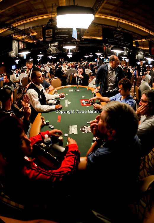A fisheye view of a table on Day 1A of the Main Event.