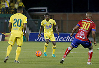 FLORIDABLANCA - COLOMBIA -22-04-2017: Jossymar Gomez jugador del Atlético Bucaramanga durante partido con Deportivo Pasto por la fecha 14 de la Liga Águila I 2017 jugado en el estadio Álvaro Gómez Hurtado de la ciudad de Floridablanca. / Jossymar Gomez player of Atletico Bucaramanga in action during the match against Deportivo Pasto for the date 14 of the Aguila League I 2017 played at Alvaro Gomez Hurtado stadium in Floridablanca city. Photo: VizzorImage / Duncan Bustamante / Cont