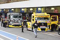 SAO PAULO, SP, 07 JULHO 2012 - FORMULA TRUCK ETAPA SAO PAULO - Pilotos participam de treino livre para a quinta etapa da Fórmula Truck 2012, neste sábado, no autódromo de Interlagos, na zona sul de São Paulo. A prova será realizada neste domingo. FOTO: LUIZ GUARNIERI - BRAZIL PHOTO PRESS.