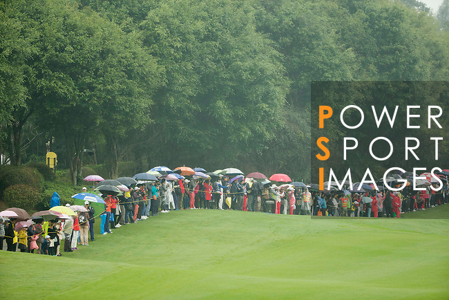 The crowd of spectators at the 18th hole during Round 4 of the World Ladies Championship 2016 on 13 March 2016 at Mission Hills Olazabal Golf Course in Dongguan, China. Photo by Victor Fraile / Power Sport Images