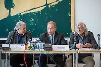 """Abgeordnete der Linkspartei im Deutschen Bundestag luden den ukrainischen Politiker Vasily Volga vom neugegruendeten Zusammenschluss linker Organisationen und Parteien in der """"Allianz Linker Kraefte"""" (ALK) zu einem Fachgespraech ueber die Situation in der Ukraine ein. Vasily Volga, Vorsitzender der ALK, beschrieb die weitreichenden Folgen der Privatisierungen und steigende Armut in seinem Land. Der Zusammenschluss sucht die Kooperation mit westeuropaeischen Linken, tritt fuer einen neutralen Status der Ukraine ein und fordert ein Sofortprogramm gegen die zunehmende Armut in der Ukraine. Die ALK ist in der Ukraine seit ihrer Gruendung im Fruehjahr 2016 Angriffen ausgesetzt. Vasily Volga, ehemaliger Abgeordneter der Partei """"Werchowna Rada"""", wurde bei einem dieser Angriffe selbst verletzt.<br /> Im Bild vlnr.: Andrej Hunko, MdB Linkspartei; Vasily Volga, ALK; Hanno Harnisch, Pressesprecher Linkspartei.<br /> 24.5.2016, Berlin<br /> Copyright: Christian-Ditsch.de<br /> [Inhaltsveraendernde Manipulation des Fotos nur nach ausdruecklicher Genehmigung des Fotografen. Vereinbarungen ueber Abtretung von Persoenlichkeitsrechten/Model Release der abgebildeten Person/Personen liegen nicht vor. NO MODEL RELEASE! Nur fuer Redaktionelle Zwecke. Don't publish without copyright Christian-Ditsch.de, Veroeffentlichung nur mit Fotografennennung, sowie gegen Honorar, MwSt. und Beleg. Konto: I N G - D i B a, IBAN DE58500105175400192269, BIC INGDDEFFXXX, Kontakt: post@christian-ditsch.de<br /> Bei der Bearbeitung der Dateiinformationen darf die Urheberkennzeichnung in den EXIF- und  IPTC-Daten nicht entfernt werden, diese sind in digitalen Medien nach §95c UrhG rechtlich geschuetzt. Der Urhebervermerk wird gemaess §13 UrhG verlangt.]"""