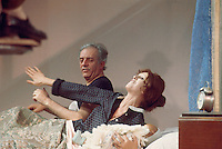 "- Dario Fo and his wife Franca Rame in the comedy ""All house, bed and church"" (1977)....- Dario Fo e la moglie Franca Rame nella commedia  ""Tutta casa, letto e chiesa"" (1977)"