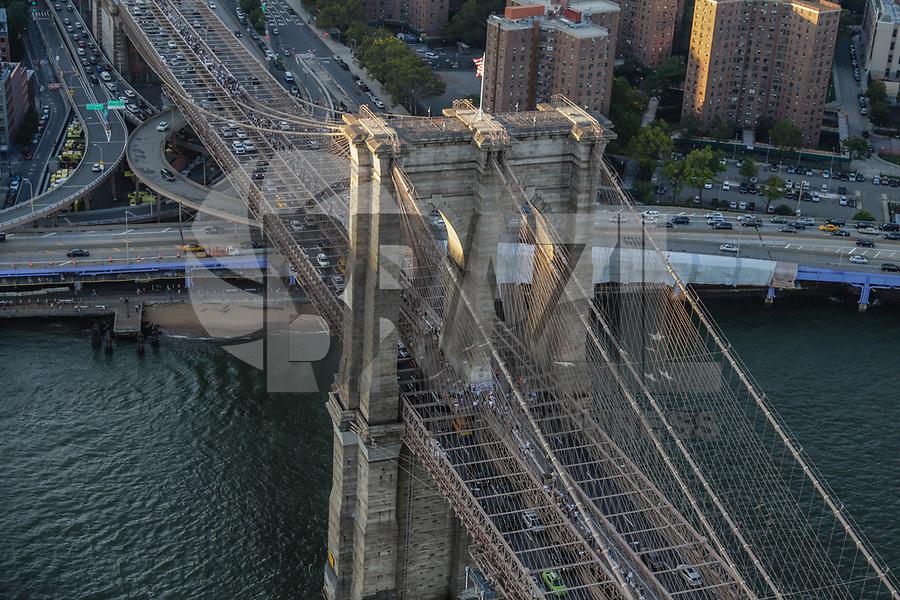 NOVA YORK, EUA, 17.09.2018 - CIDADE-NOVA YORK - Vista aerea Brooklyn Bridge da cidade de Nova York nos Estados Unidos (Foto: Vanessa Carvalho/Brazil Photo Press)