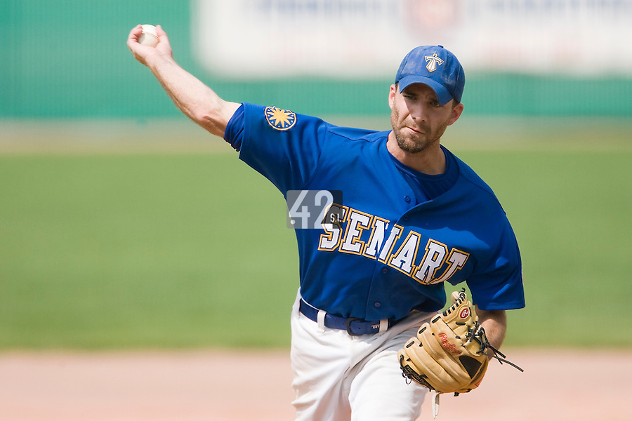 12 Aug 2007: Evan Blesoff pitches against Rouen during game 5 of the french championship finals between Templiers (Senart) and Huskies (Rouen) in Chartres, France. Huskies defeated Templiers 9-8 to win their fourth french championship.