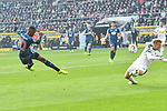 04.11.2018, Stadion im Borussia-Park, Moenchengladbach, GER, 1. FBL, Borussia Moenchengladbach vs. Fortuna Duesseldorf, DFL regulations prohibit any use of photographs as image sequences and/or quasi-video<br /> <br /> im Bild Strafraumszene . Torchance von Dodi Lukebakio (#20, Fortuna D&uuml;sseldorf / Duesseldorf) <br /> <br /> Foto &copy; nordphoto/Mauelshagen
