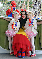 REPRO FREE: EASTER SUNDAY EGG HINT TRALEE:<br /> Snow White and the Easter Bunny is pictured with Emma, Jamie and Allie Tarrant from Clash, Tralee at the Cadbury Easter Egg Hunt in the Ballygarry House Hotel &amp; Spa in Tralee on Easter Sunday.<br /> Picture by Don MacMonagle