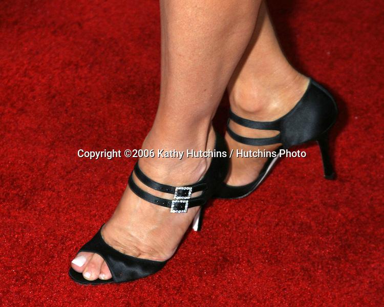 "Jennifer Coolidge.World Premiere of ""American Dreamz"".ArcLight Theaters.Los Angeles, CA.April 11, 2006.©2006 Kathy Hutchins / Hutchins Photo...."