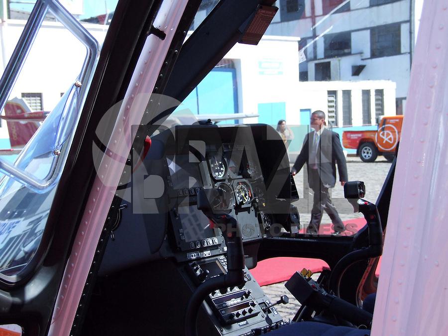 SÃO PAULO, SP,  QUINTA-FEIRA, 13 DE AGOSTO DE 2009 - LABACE 2009 - LABACE 2009 ( Latin American Business Aviation Conference & Exhibition ), promovido pela ABAG ( Associação Brasileira de Aviação Geral ) no Aeroporto de Congonhas na região sul da capital paulista (FOTO: WILLIAM VOLCOV / BRAZIL PHOTO PRESS