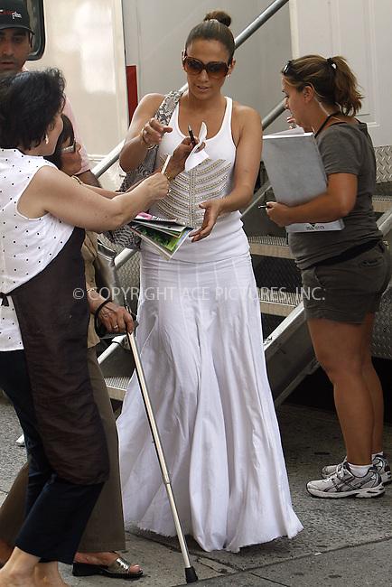 WWW.ACEPIXS.COM . . . . .  ....July 16 2009, New York City....Actress Jennifer Lopez on the set of the new movie 'The Back-up Plan' in downtown Manhattan on July 16 2009 in New York City....Please byline: NANCY RIVERA  - ACEPIXS.COM.... *** ***..Ace Pictures, Inc:  ..tel: (212) 243 8787..e-mail: info@acepixs.com..web: http://www.acepixs.com