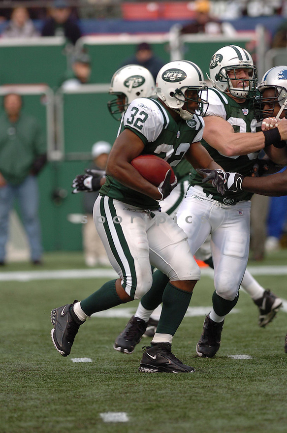 KEVAN BARLOW, of the New York Jets , in action against the Detroit Lions on October 22, 2006 at the Meadowlands, NJ..Jets win 31-24..Tomasso DeRosa / SportPics...