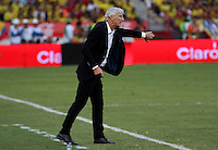 BARRANQUILLA  - COLOMBIA - 8-10-2015: Jose Pekerman director tecnico de la seleccion Colombia  durante su encuentrocon la   seleccion del  Peru durante primer partido  por por las eliminatorias al mundial de Rusia 2018 jugado en el estadio Metropolitano Roberto Melendez  / :Jose Pekerman coach of Colombia  during match against of selection of Peru during first qualifying match for the 2018 World Cup Russia played at the Estadio Metropolitano Roberto Melendez. Photo: VizzorImage / Felipe Caicedo / Staff.