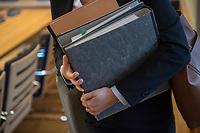 """3. Sitzungstag des Berliner """"Amri-Untersuchungsausschuss"""".<br /> Am Freitag den 22. September 2017 fand die 3. Sitzung des sogenannte """"Amri-Untersuchungsausschuss des Berliner Abgeordnetenhaus. Statt.<br /> Als Zeugen waren geladen Innen-Staatssekretär Bernd Kroemer (CDU) der wegen Krankheit nicht erschien und Kriminaldirektor Dennis Golcher, Leiter der kripointernen Task Force """"Lupe"""" die den Terroranschlag und dessen Aufklaerung untersucht.Der Zeuge Golcher untersagte Film- und Fotoaufnahmen mit dem Hinweis auf Persoenlichkeitsrechte.<br /> Der Amri-Untersuchungsausschuss will versuchen die diversen Unklarheiten im Fall des Weihnachtsmarkt-Attentaeters zu aufzuklaeren.<br /> Im Bild: Akten im Untersuchungsausschuss.<br /> 22.9.2017, Berlin<br /> Copyright: Christian-Ditsch.de<br /> [Inhaltsveraendernde Manipulation des Fotos nur nach ausdruecklicher Genehmigung des Fotografen. Vereinbarungen ueber Abtretung von Persoenlichkeitsrechten/Model Release der abgebildeten Person/Personen liegen nicht vor. NO MODEL RELEASE! Nur fuer Redaktionelle Zwecke. Don't publish without copyright Christian-Ditsch.de, Veroeffentlichung nur mit Fotografennennung, sowie gegen Honorar, MwSt. und Beleg. Konto: I N G - D i B a, IBAN DE58500105175400192269, BIC INGDDEFFXXX, Kontakt: post@christian-ditsch.de<br /> Bei der Bearbeitung der Dateiinformationen darf die Urheberkennzeichnung in den EXIF- und  IPTC-Daten nicht entfernt werden, diese sind in digitalen Medien nach §95c UrhG rechtlich geschuetzt. Der Urhebervermerk wird gemaess §13 UrhG verlangt.]"""