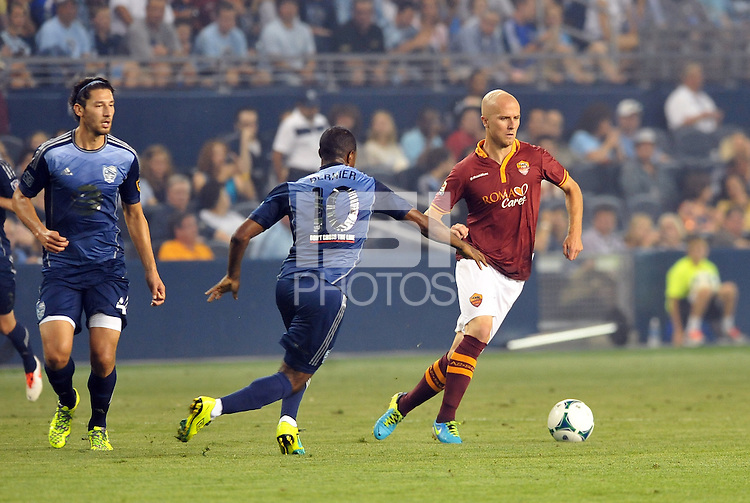 Sporting Park, Kansas City, Kansas, July 31 2013:<br /> Michael Bradley (4) midfield AS Roma in action.<br /> MLS All-Stars were defeated 3-1 by AS Roma at Sporting Park, Kansas City, KS in the 2013 AT & T All-Star game.
