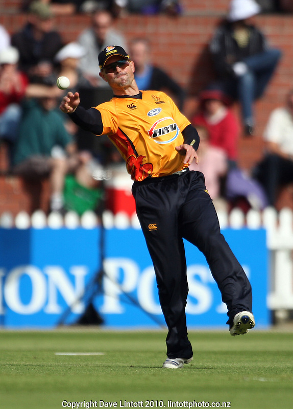 Wellington captain Matthew Bell during the HRV Cup Twenty20 cricket match between the Wellington Firebirds and Canterbury Wizards at Allied Nationwide Finance Basin Reserve, Wellington, New Zealand on Wednesday, 6 January 2010. Photo: Dave Lintott / lintottphoto.co.nz