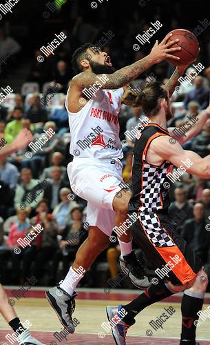 2014-12-02 / Basketbal / seizoen 2014-2015 / Antwer Giants - Le Mans / Ryan Pearson (Giants) probeert te scoren<br /><br />Foto: mpics.be