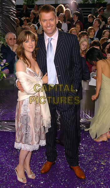 STEPHEN BECKETT & GUEST.The Brtish Soap Awards - Arrivals,.BBC Television centre, London, .May 20th 2006..full length .Ref: CAN.www.capitalpictures.com.sales@capitalpictures.com.©Can Nguyen/Capital Pictures