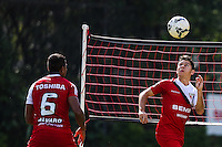 SAO PAULO, SP, 13.05.2014 - TREINO SAO PAULO - Osvaldo durante treino do Sao Paulo FC no Centro de Treinamento da Barra Funda na regiao oeste de Sao Paulo, nesta terca-feira, 13. (Foto: William Volcov / Brazil Photo Press).