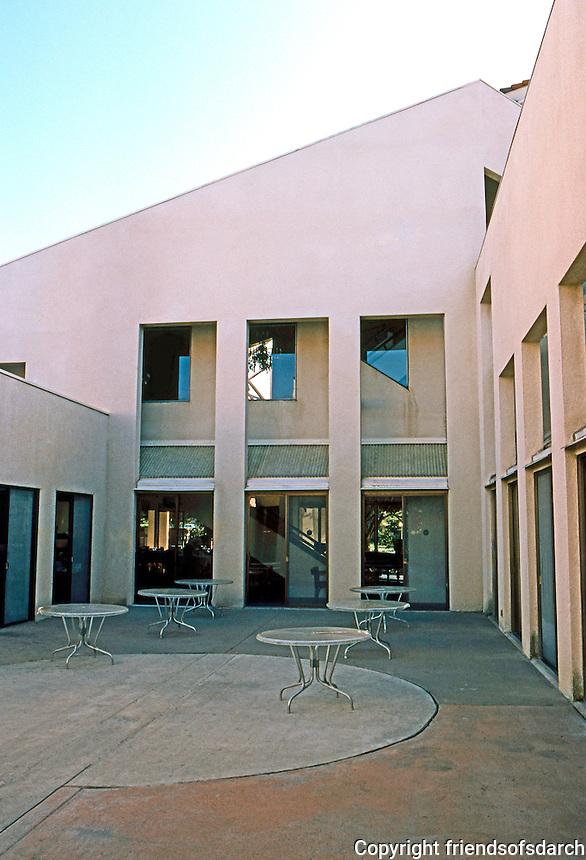 Charles Moore & Turnbull: Faculty Club, U.C.S.B. 1967-68. Courtyard.  Photo '83.