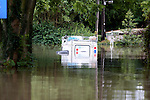 Pix: Shaun Flannery/sf-pictures.com..COPYRIGHT PICTURE>>SHAUN FLANNERY>01302-570814>>..26th June 2007............Environment Agency Land Rover under water at the River Don, Sprotbrough, Doncaster after severe flooding.
