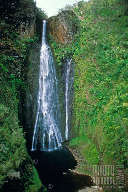 Aerial of Manu Waipuna Falls, used in the film ìJurassic Parkî