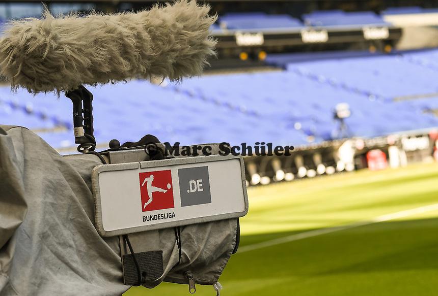 Kamera mit Bundesliga-Logo im Innenraum der Commerzbank Arena - 16.05.2020, Fussball 1.Bundesliga, 26.Spieltag, Eintracht Frankfurt  - Borussia Moenchengladbach emspor, v.l. Stadionansicht / Ansicht / Arena / Stadion / Innenraum / Innen / Innenansicht / Videowall<br /> <br /> <br /> Foto: Jan Huebner/Pool VIA Marc Schüler/Sportpics.de<br /> <br /> Nur für journalistische Zwecke. Only for editorial use. (DFL/DFB REGULATIONS PROHIBIT ANY USE OF PHOTOGRAPHS as IMAGE SEQUENCES and/or QUASI-VIDEO)