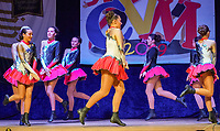 """Garde """"Backfische"""" der Sandhasen tritt auf und tanzt eine Polka - Mörfelden-Walldorf 15.11.2019: Eröffnungssitzung der Sandhasen"""