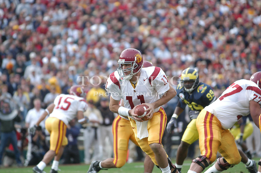 USC sophomore quarterback Matt Leinart during the Wolverines' 14-28 loss to USC on Thursday, January 1, 2004 at the Rose Bowl in Pasadena, California. It was Michigan's 18th appearance at the Rose Bowl and the 90th game the bowl has played. (TONY DING/The Michigan Daily)