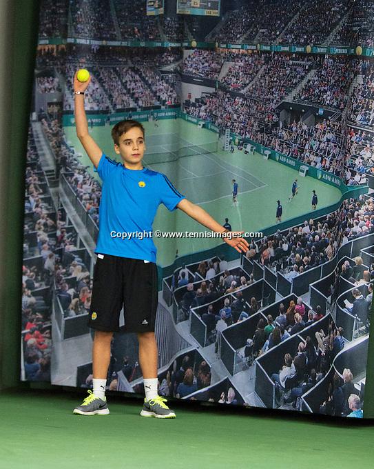 Januari 24, 2015, Rotterdam, ABNAMRO, Supermatch, ballboy<br /> Photo: Tennisimages/Henk Koster