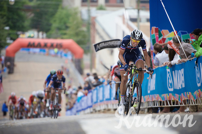 Kevin Ledanois (FRA/Bretagne-S&eacute;ch&eacute; Environnement) leads the last sprint up the cobbles of 23rd street in the last lap of the race<br /> <br /> U23 Road Race<br /> UCI Road World Championships Richmond 2015 / USA