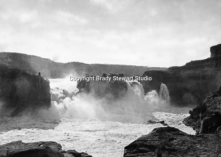Twin Falls ID:  Named after the city with the same name, the water falls 125ft into the Snake River - 1910.   Brady Stewart and three friends went to Idaho on a lark from 1909 thru early 1912. As part of the Mondell Homestead Act, they received a land grant of 160 acres north of the Snake River.  For 2 ½  years, Brady Stewart photographed the adventures of farming along with the spectacular landscapes.