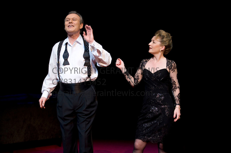 Six Degrees of Separation by John Guare,directed by David Grindley.. With With Anthony Head as Flan,Lesley Manville as Ouisa.Opens at The Old Vic Theatre Theatre on 19/1/10. CREDIT Geraint Lewis