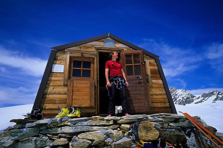 Bivouac de la Tête des Roëses (3200m), Valle d'Aosta, Italy, 2006