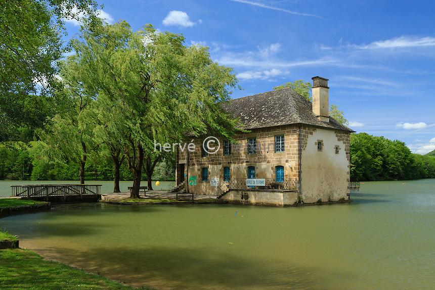 France, Corrèze (19), Lissac-sur-Couze, le moulin de Lissac sur le lac du Causse // France, Correze, Lissac sur Couze, Lissac mill on the lac du Causse
