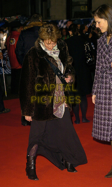 "MAUREEN LIPMAN.""The Prestige"" UK film premiere.Odeon West End cinema, Leicester Square.5th November 2006 London, England.Ref: CAN.half full length funny looking down.www.capitalpictures.com.sales@capitalpictures.com.©Phil Loftus/Capital Pictures"
