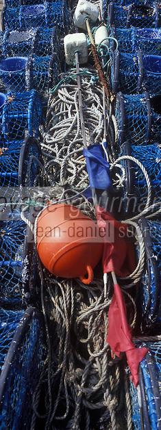 Europe/France/Bretagne/56/Morbihan/Belle-Ile/Sauzon: le port de pêche - les casiers pour la pêche aux crustacés