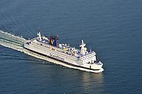Scandlines Faehrschiff Kronprinz Fredrik: DEUTSCHLAND, MECKLENBURG-VORPOMMERN, ROSTOCK, (GERMANY, MECKLENBURG POMERANIA), 10.10.2010: Faehrschiff Kronprinz Fredrik auf der Strecke Gedser Rostock fuer die Linie Scandlines. Scandlines ist eine deutsch-daenische Reederei, die mit ihren Faehren jaehrlich etwa 20 Millionen Passagiere und 4 Millionen PKW auf der Ostsee befoerdert. Die 1998 gegruendete Scandlines GmbH hat ihren Sitz in Rostock und vereint unter ihrem Dach die Scandlines Deutschland GmbH und die Scandlines Danmark A/S.  Stichworte: Rostock, Deutschland, Mecklenburg, Ostsee, Reise, Tourismus,  Reederei, Scandlines, Faehren, faehre, Faehrboot, Faehrboote, uebersetzen, von oben, hoher Winkel, erhoehte Ansicht Aufsicht, Fahrt, keiner, niemand, Nordlaender, Ozean, Ozeane, Aussenaufnahme, Aussenaufnahme, ausserhalb, oben liegende Aussicht, Passagierfaehre, Skandinavien, Skandinavier, Meer, Meere, Luftaufnahme, Luftbild, Luftansicht, Ansicht, Aufsicht, .c o p y r i g h t : A U F W I N D - L U F T B I L D E R . de.G e r t r u d - B a e u m e r - S t i e g 1 0 2, 2 1 0 3 5 H a m b u r g , G e r m a n y P h o n e + 4 9 (0) 1 7 1 - 6 8 6 6 0 6 9 E m a i l H w e i 1 @ a o l . c o m w w w . a u f w i n d - l u f t b i l d e r . d e.K o n t o : P o s t b a n k H a m b u r g .B l z : 2 0 0 1 0 0 2 0  K o n t o : 5 8 3 6 5 7 2 0 9.V e r o e f f e n t l i c h u n g n u r m i t H o n o r a r n a c h M F M, N a m e n s n e n n u n g u n d B e l e g e x e m p l a r !.