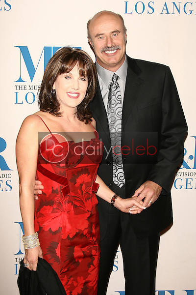 Robin McGraw and Dr. Phil McGraw<br />at The Museum of Television & Radio's Annual Los Angeles Gala. Regent Beverly Wilshire Hotel, Beverly Hills, CA. 10-30-06<br />Dave Edwards/DailyCeleb.com 818-249-4998